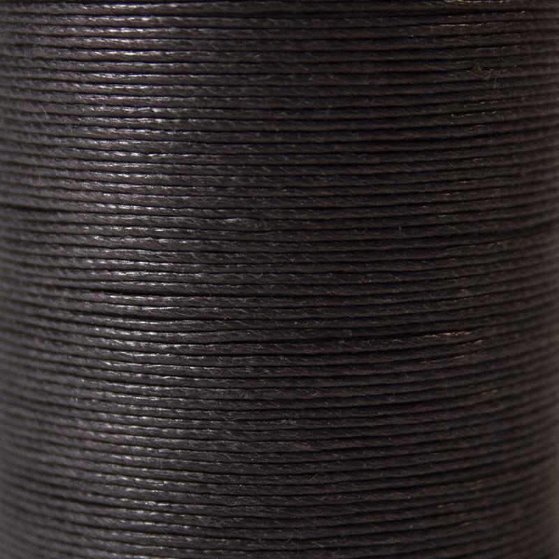 fil couleur marron foncé